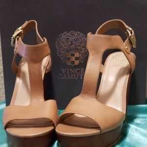 Vince Camuto Wedge T strap Sandal